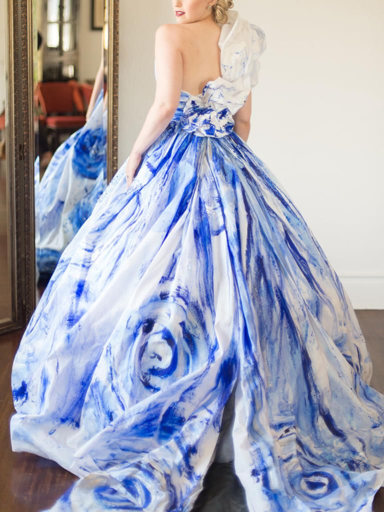 Vincent Van Gogh vibes Yes please Fashion a handpainted wedding