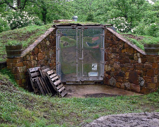 Do You Want To Store Your Harvest Fresh Without Electricity? Here Are 25 DIY  Root Cellar Plans And Design Ideas That You Can Build In Your Backyard.