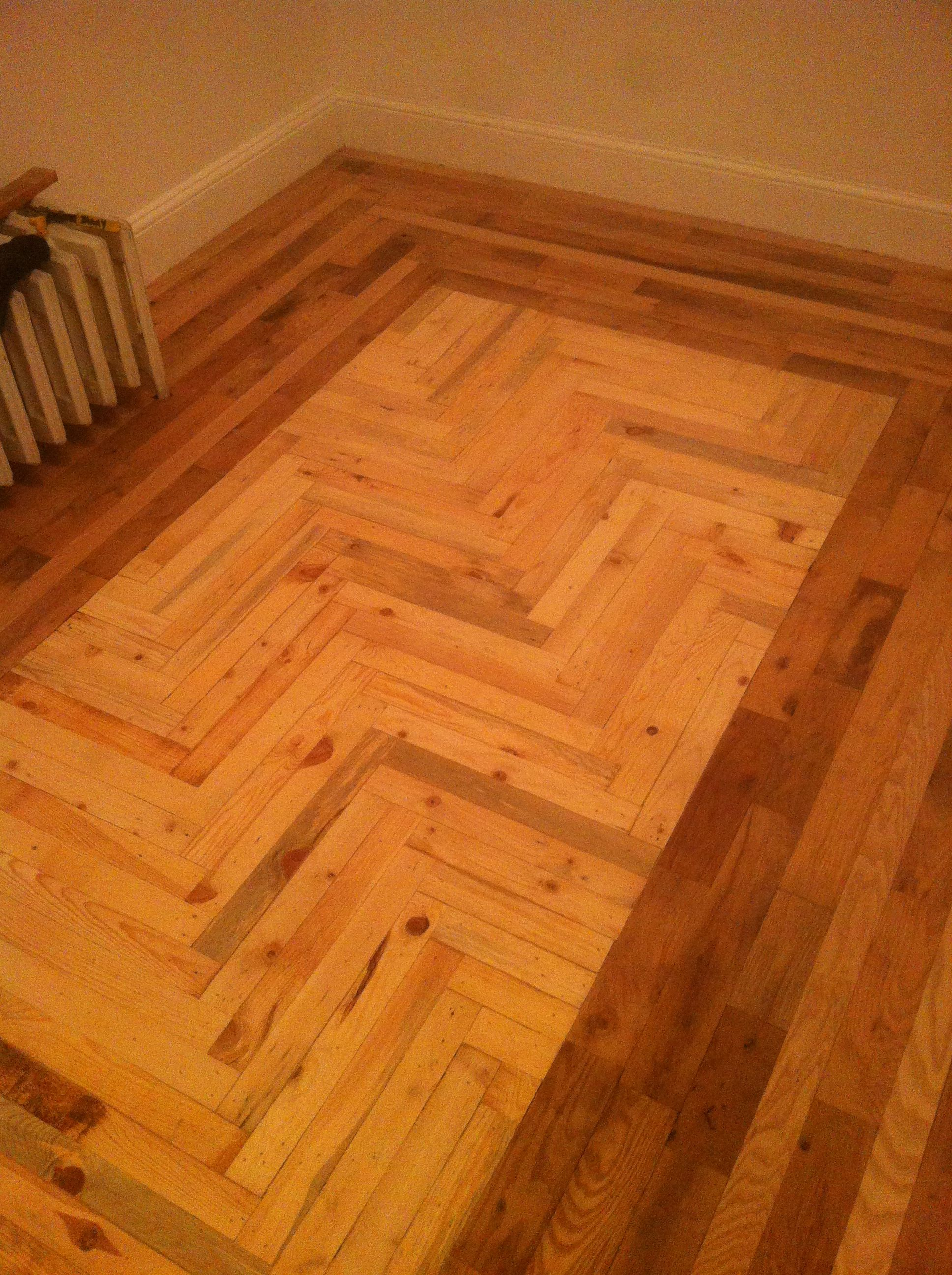Pallet floor for the spare bedroom great ideas pinterest pallet floor for the spare bedroom pallet floorswood flooringpallet ideaspallet solutioingenieria Gallery