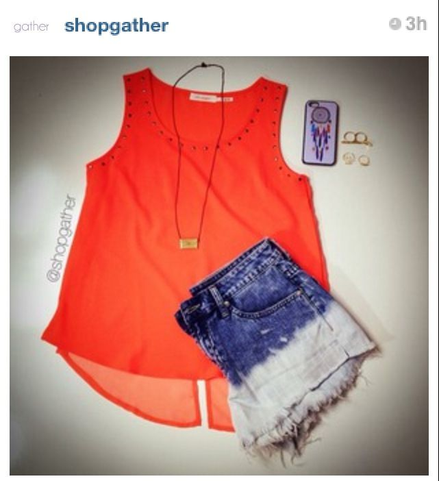 Love this vibrant color top and two tone denims!