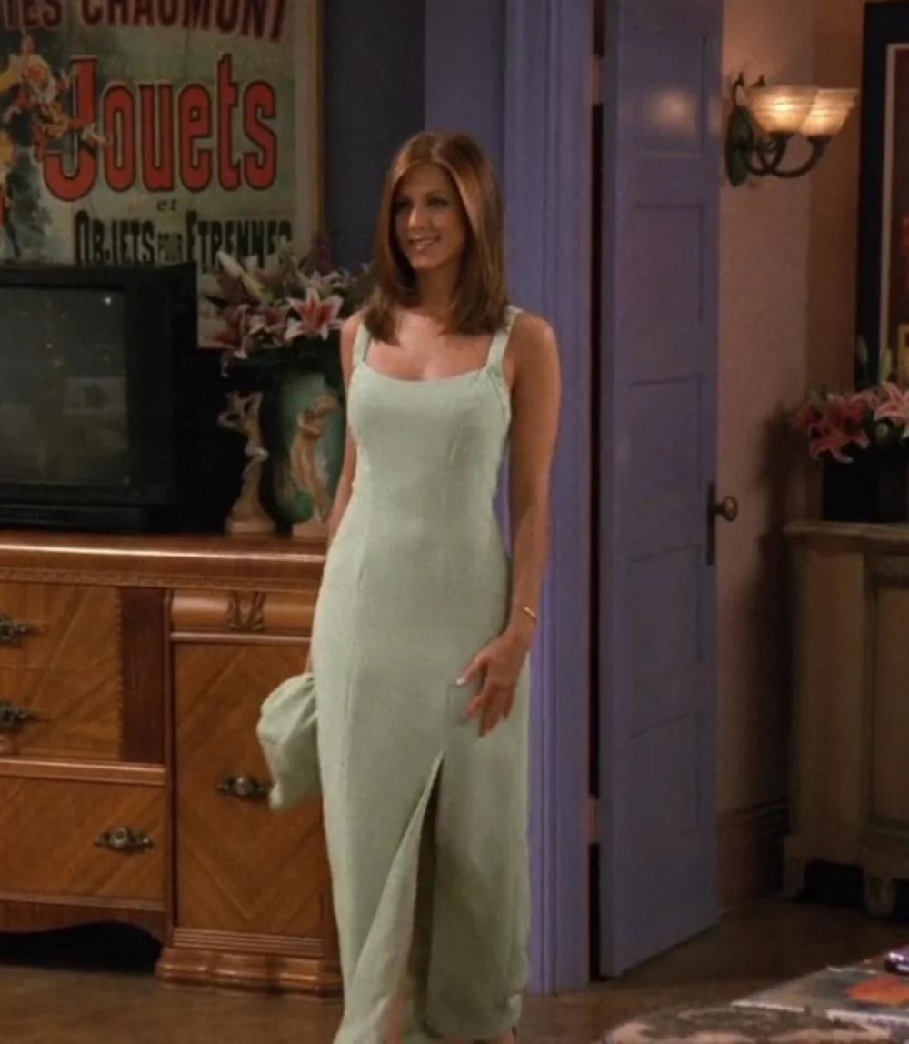 A Definitive Guide To Dressing Like Rachel From Friends Rachel Green Outfits Rachel Green Style Rachel Friends [ 1148 x 1000 Pixel ]