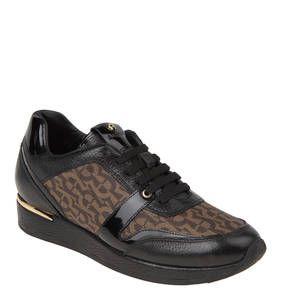 #AIGNER #Sneaker #´´Emily´´, #Leder, #Materialmix Die modischen Sneaker ´´Emily´´ für Damen von AIGNER überzeugen mit einem raffinierten Materialmix, der Kalbsleder mit Canvas und Lackleder gekonnt verbindet. Diese Sneaker von AIGNER bestechen mit ihrer intelligenten Machart, die den Schuhen Lässigkeit und Eleganz zugleich verleihen. Für den lässigen Aspekt sorgt der beschichtete Canvas-Stoff im Logo-Design, während die Lackleder-Einsätze und das goldfarbene Zierelement am Absatz elegante…