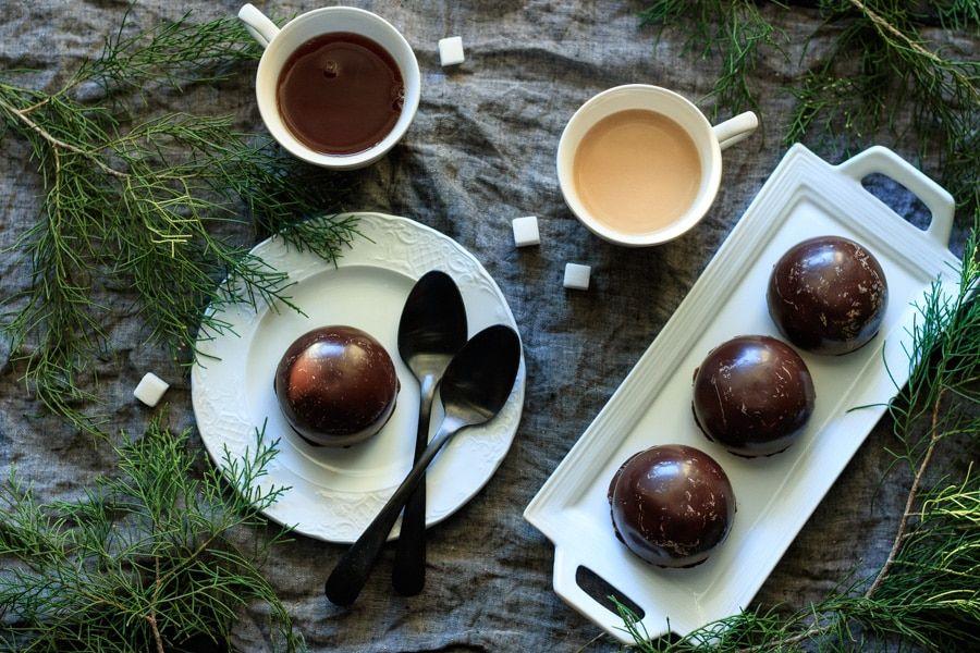 Chocolate teacakes with raspberry jam recette en 2020