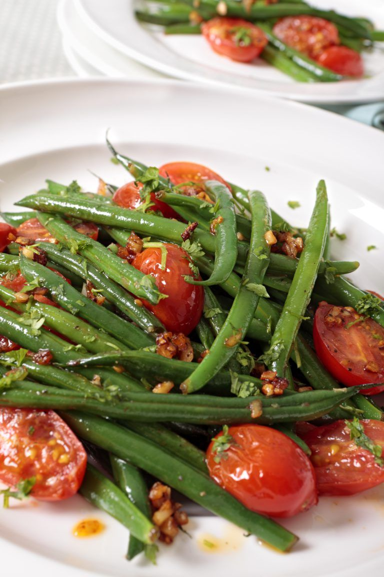 Roasted Green Beans And Tomatoes Slenderberry Recipe Fresh Bean Recipe Roasted Green Beans Green Bean Recipes