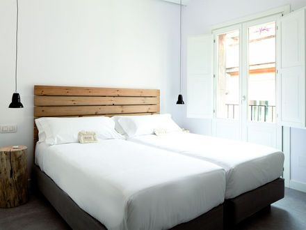 Hostal Grau. Eco-Green. In Bcn center.