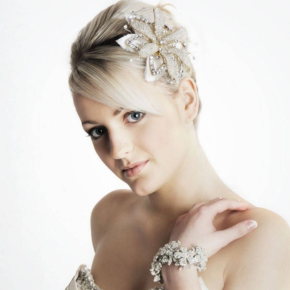 Pretty Bridal Hairstyle for short hair | Hairstyles | Pinterest ...
