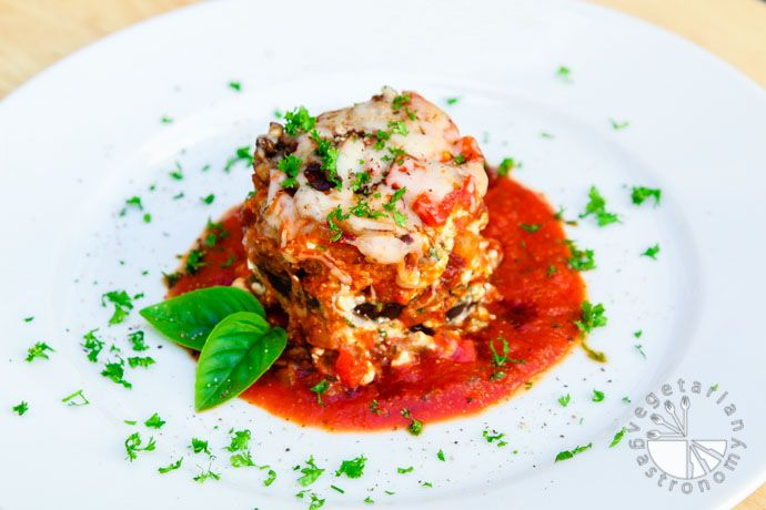Eggplant Parmesan Stacks (gluten-free, contains dairy) - Vegetarian Gastronomy