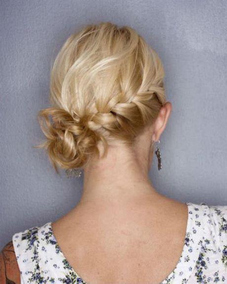 Chignon bas cheveux courts | Coiffures cheveux courts, Coiffure facile, Coiffure