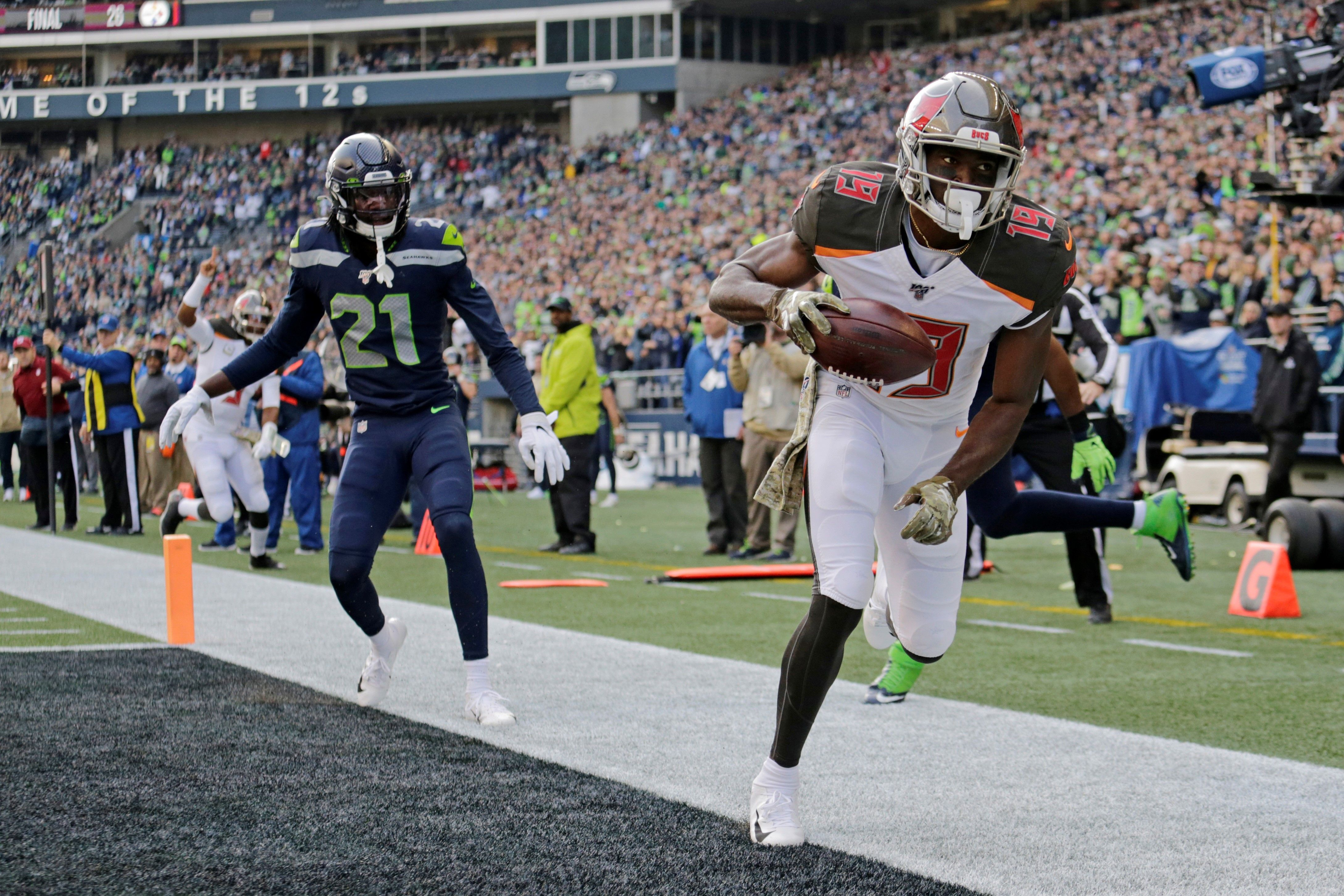 Bucs Receiver Breshad Perriman In Right Place On Go Ahead Touchdown Pass Mike Evans Tampa Bay Tampa Bay Buccaneers