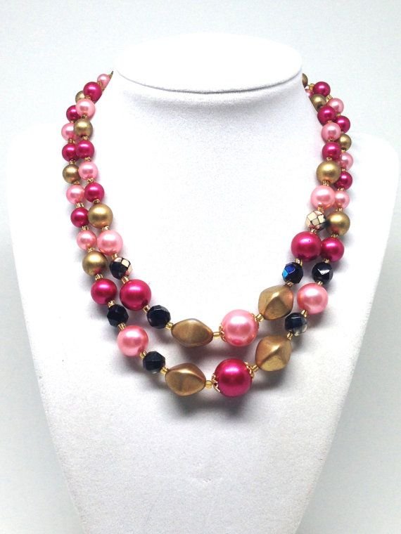 gift wrapped Vintage Beaded Faux Pearl necklace Rockabilly Mod 70s Beaded Necklace