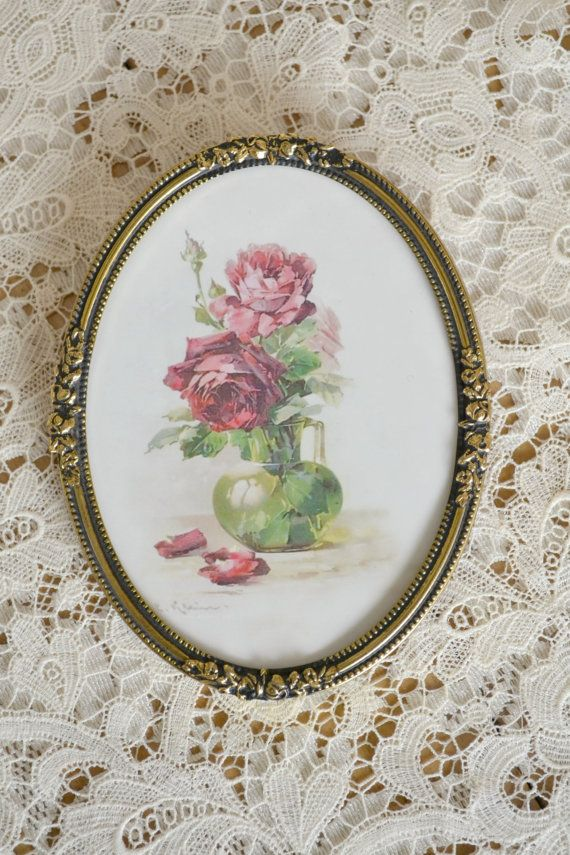 Lovely Vintage Oval Hanging Frame With Floral