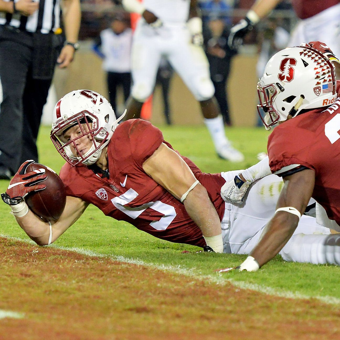 Stanford Routs Ucla 56 35 Behind Mccaffrey S Record Performance