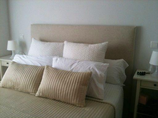 Cabecero tela lisa casas y cosas pinterest cabecero - Cabeceros de cama acolchados ...