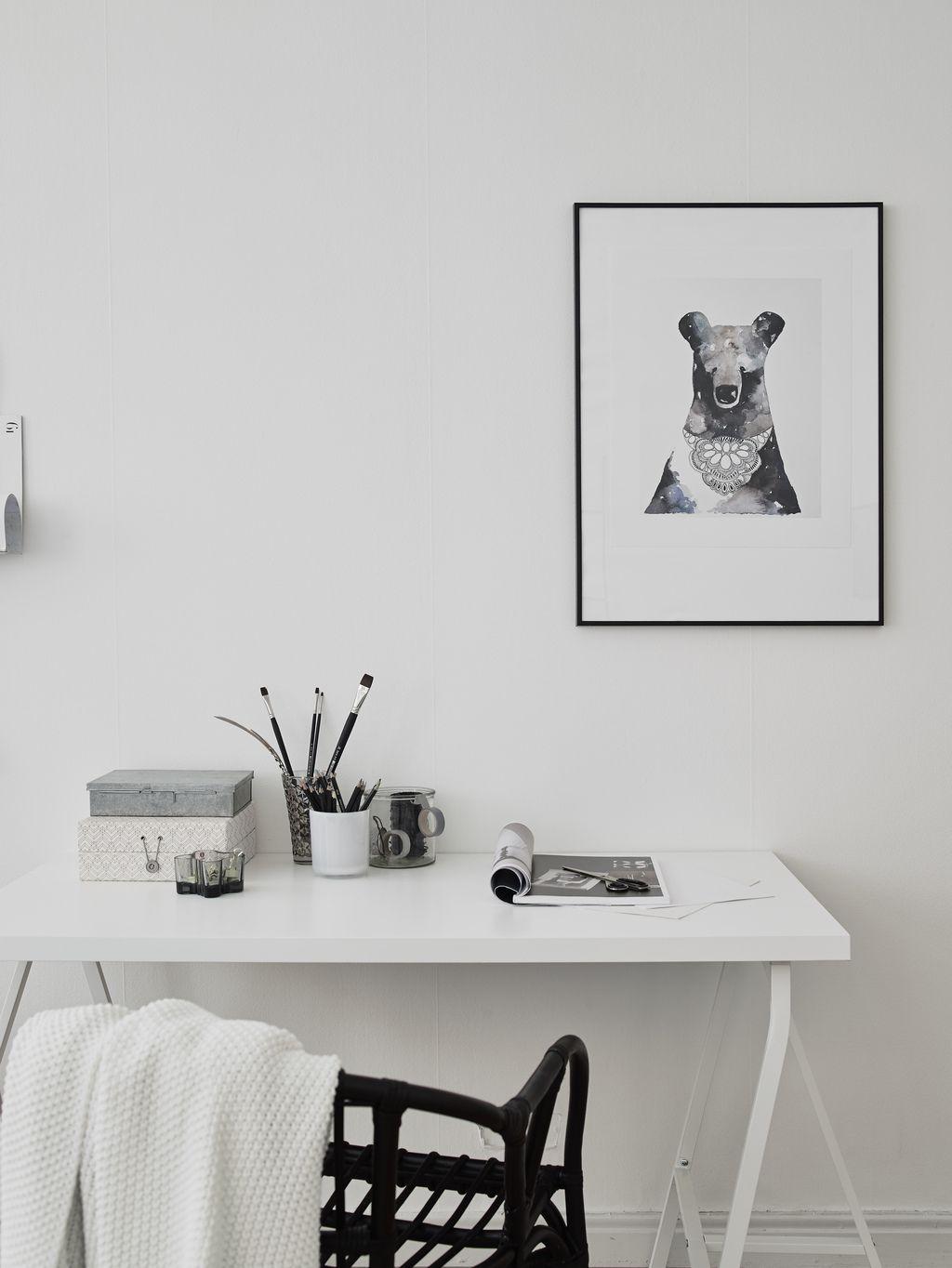 black and white workspace - Entrance Fastighetsmkleri