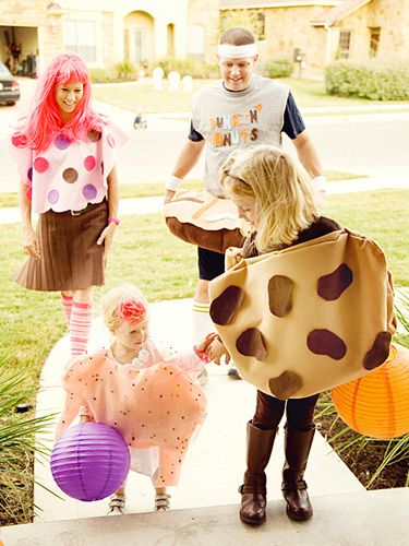 Because trick-or-treating solo is way less fun Fun Halloween - cute easy halloween costume ideas