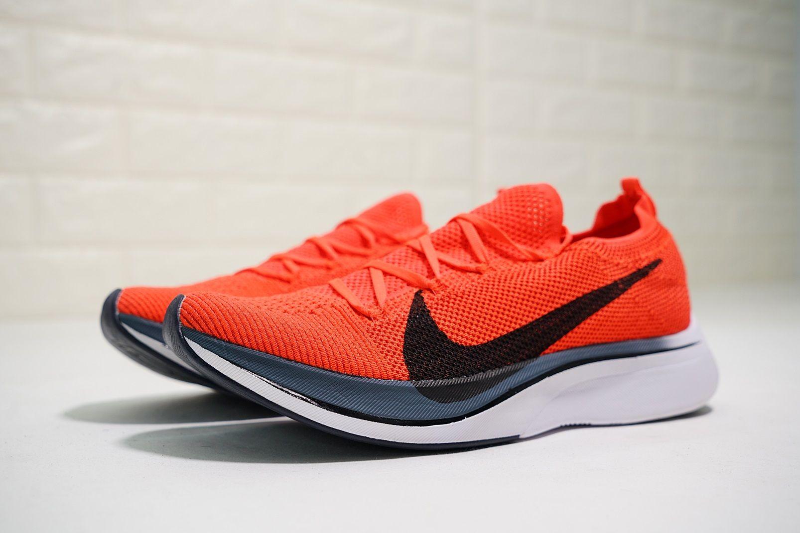 buy popular c5f7e 8b7f3 nike zoom vaporfly 4% flyknit 飛線針織大勾情侶款馬拉松超級跑鞋