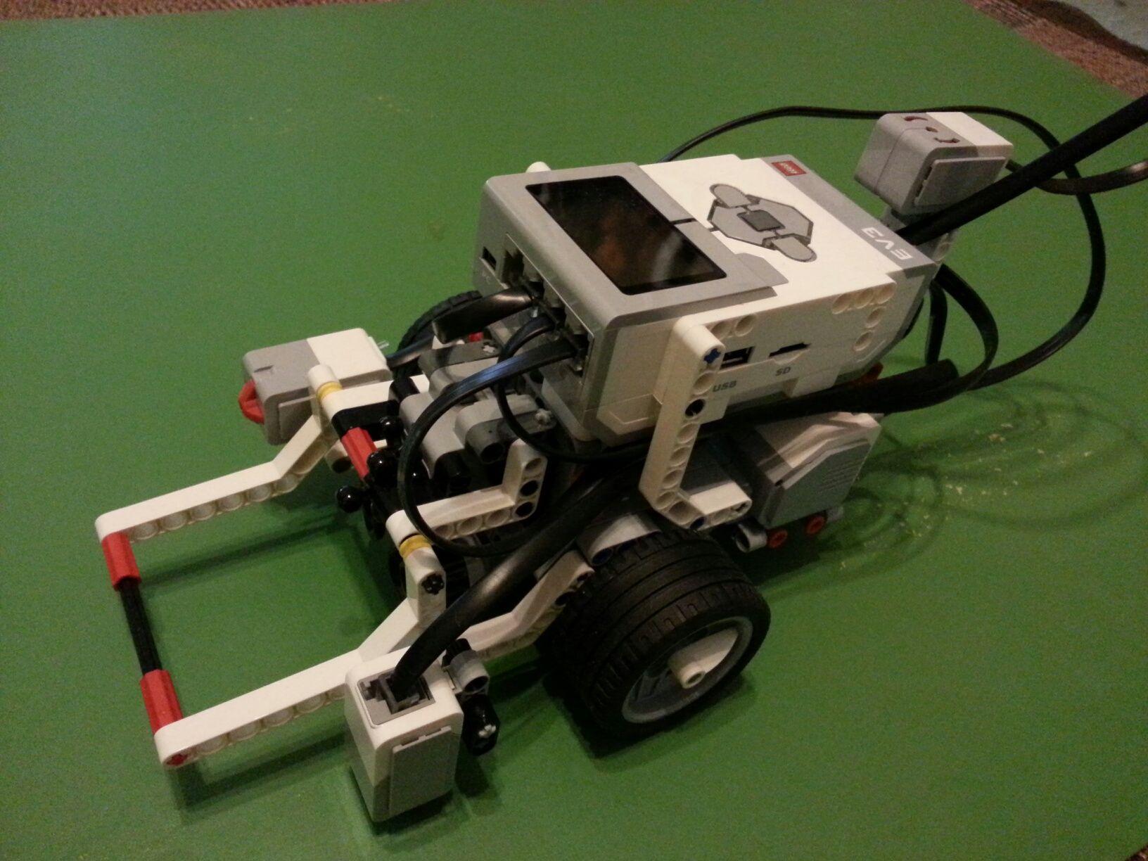 Fll Robot Design Google Search Fll Robot Design Pinterest