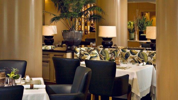 Island Hotel Newport Beach: Palm Terrace cooks up fresh cuisine using local ingredients.