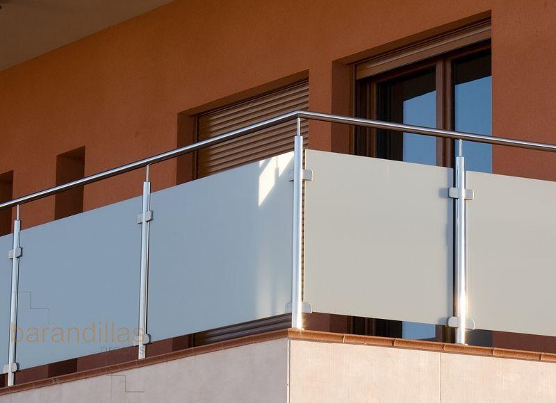 Barandilla exterior en inox y cristal: http://www ...