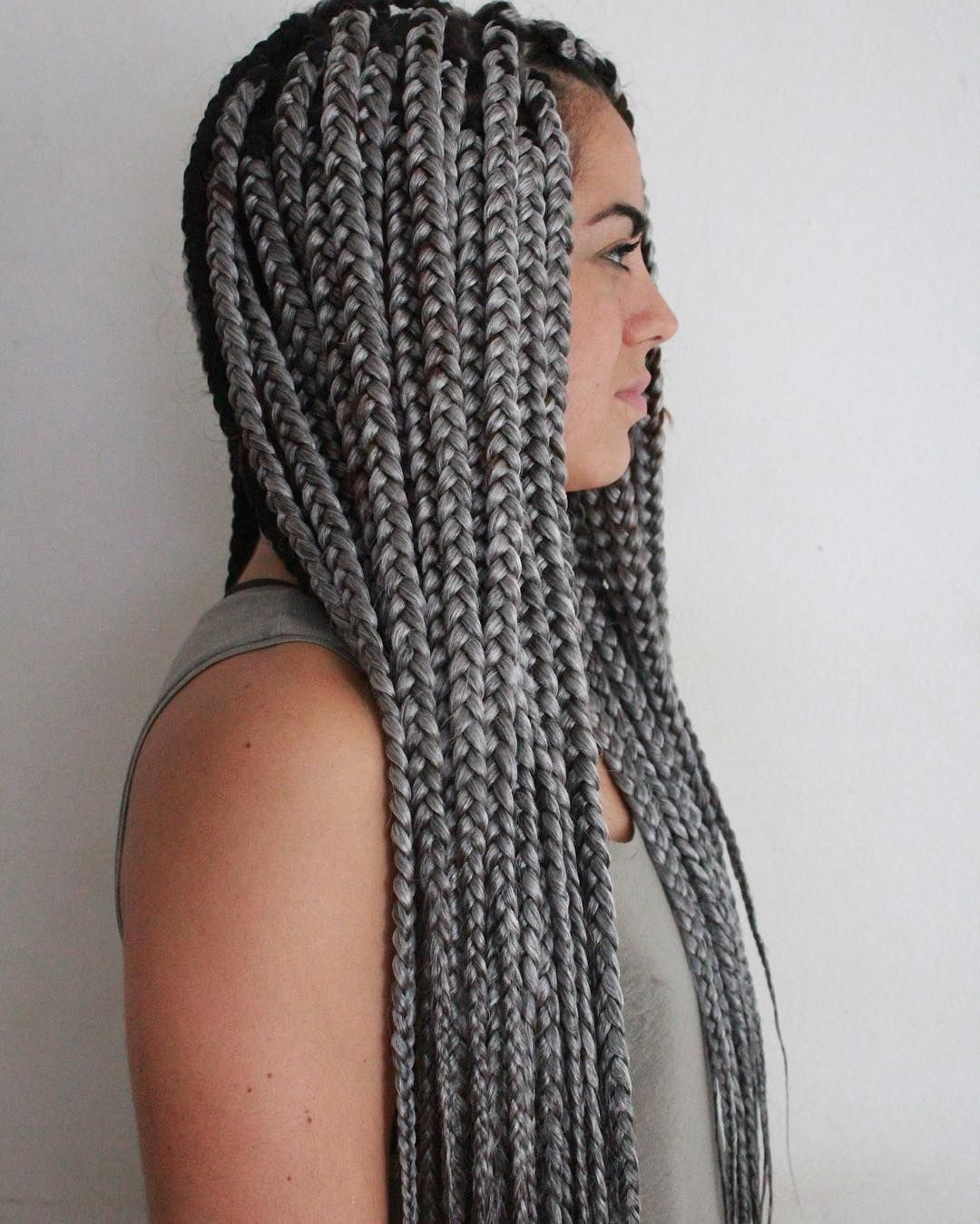 Awesome breathtaking hairstyles with big box braids being