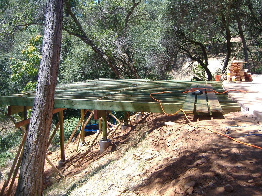 Building A 24 X 20 Deck On Steep Sl*P* Building A Deck 640 x 480