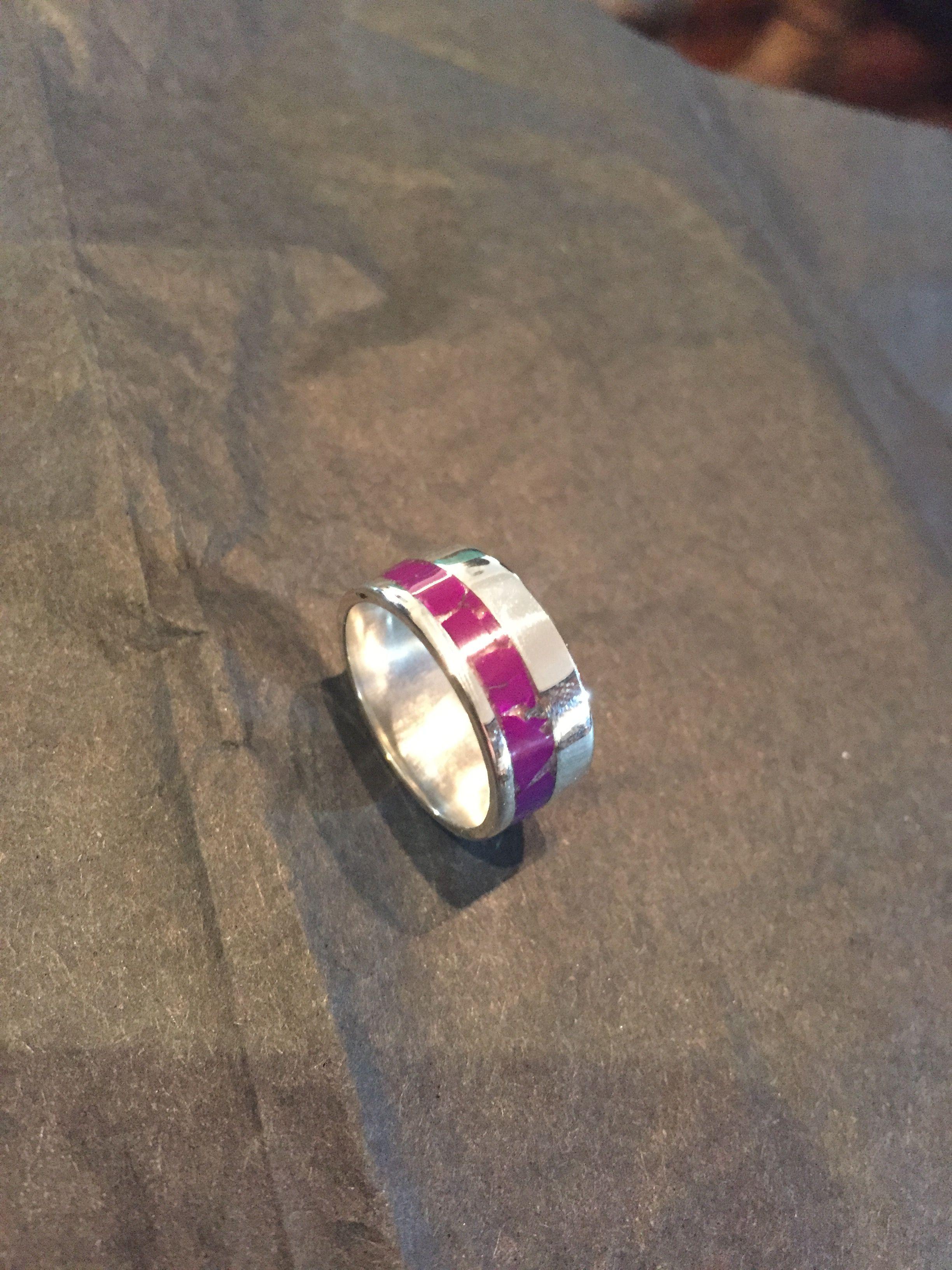 454c6a5b621c anillo plata 950 y mosaico de sugilita de Danilo Colipi