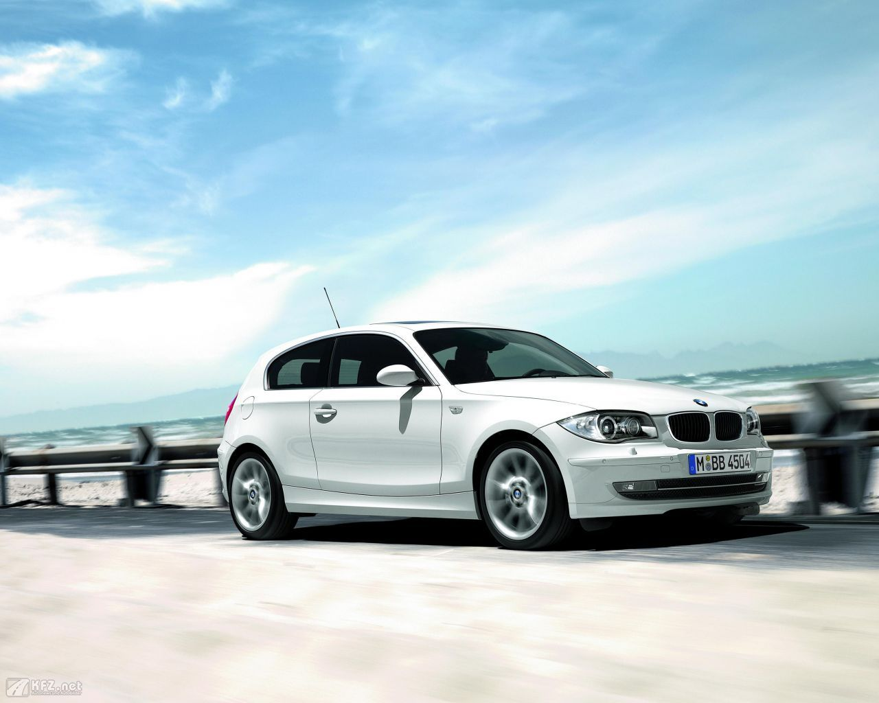 BMW 1er Bilder vom BMW Einser Kompaktwagen aus Bayern | BMW, Dream ...