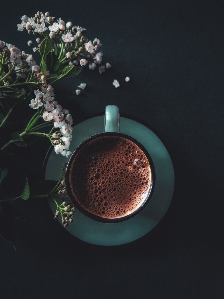 Shared By Asosh Find Images And Videos About Photography Coffee And قهوة On We Heart It The App To G In 2020 Coffee Presentation Coffee Art Coffee Shop Aesthetic