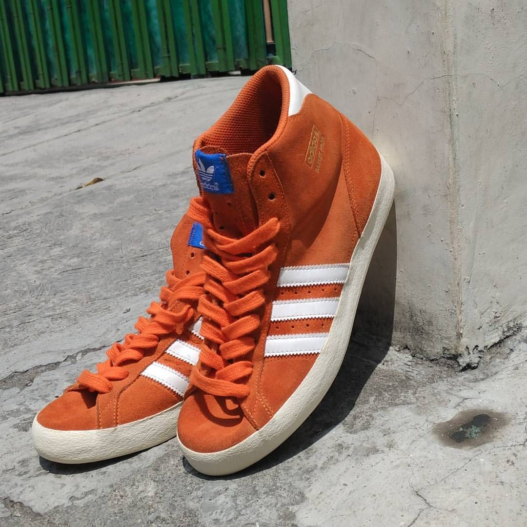 new style 106e4 5924e Sneakers adidas · adidas Originals Basket Profi  Salmon