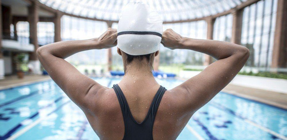 Beneficios de nadar a primera hora de la mañana