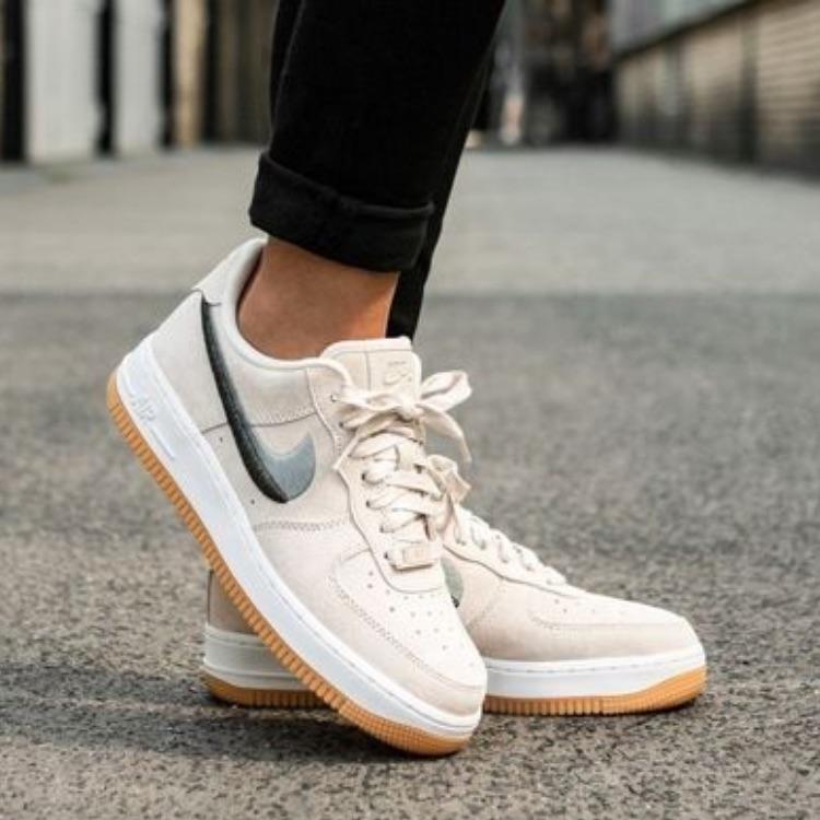 Nike Shoes | Air Force 1 Lx (Rare) | Color: CreamWhite