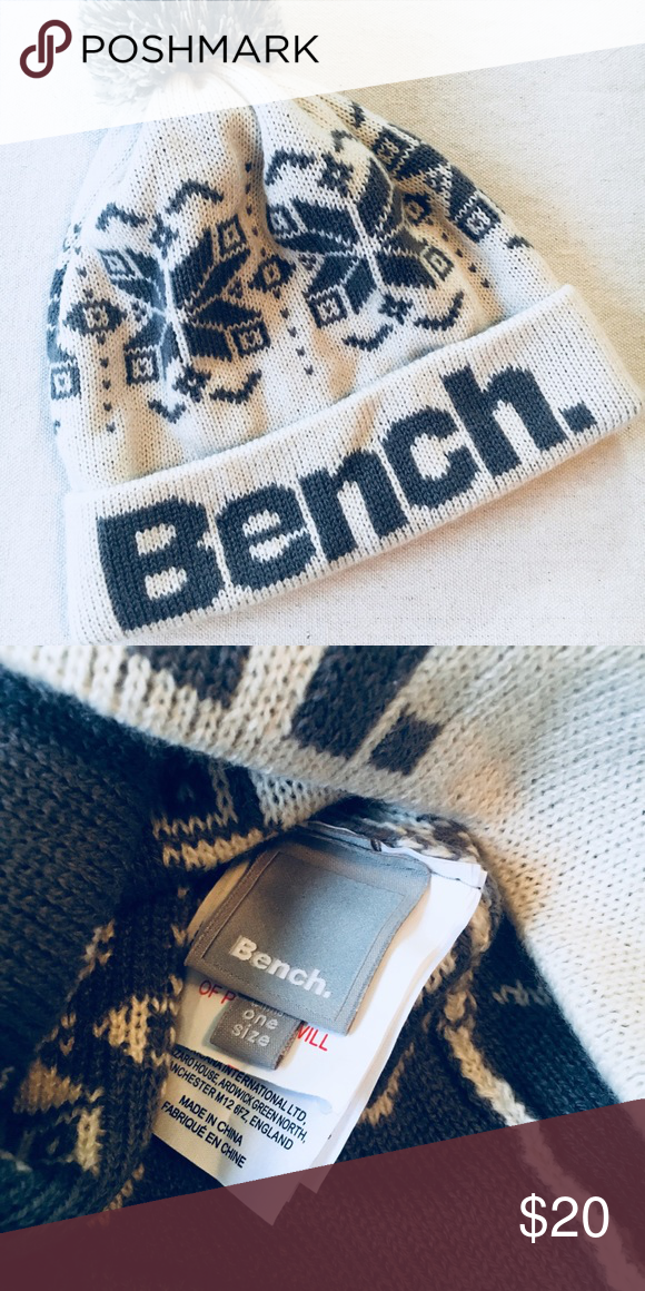 b250278e bench // winter hat Brand new, never worn. By British company bench ...