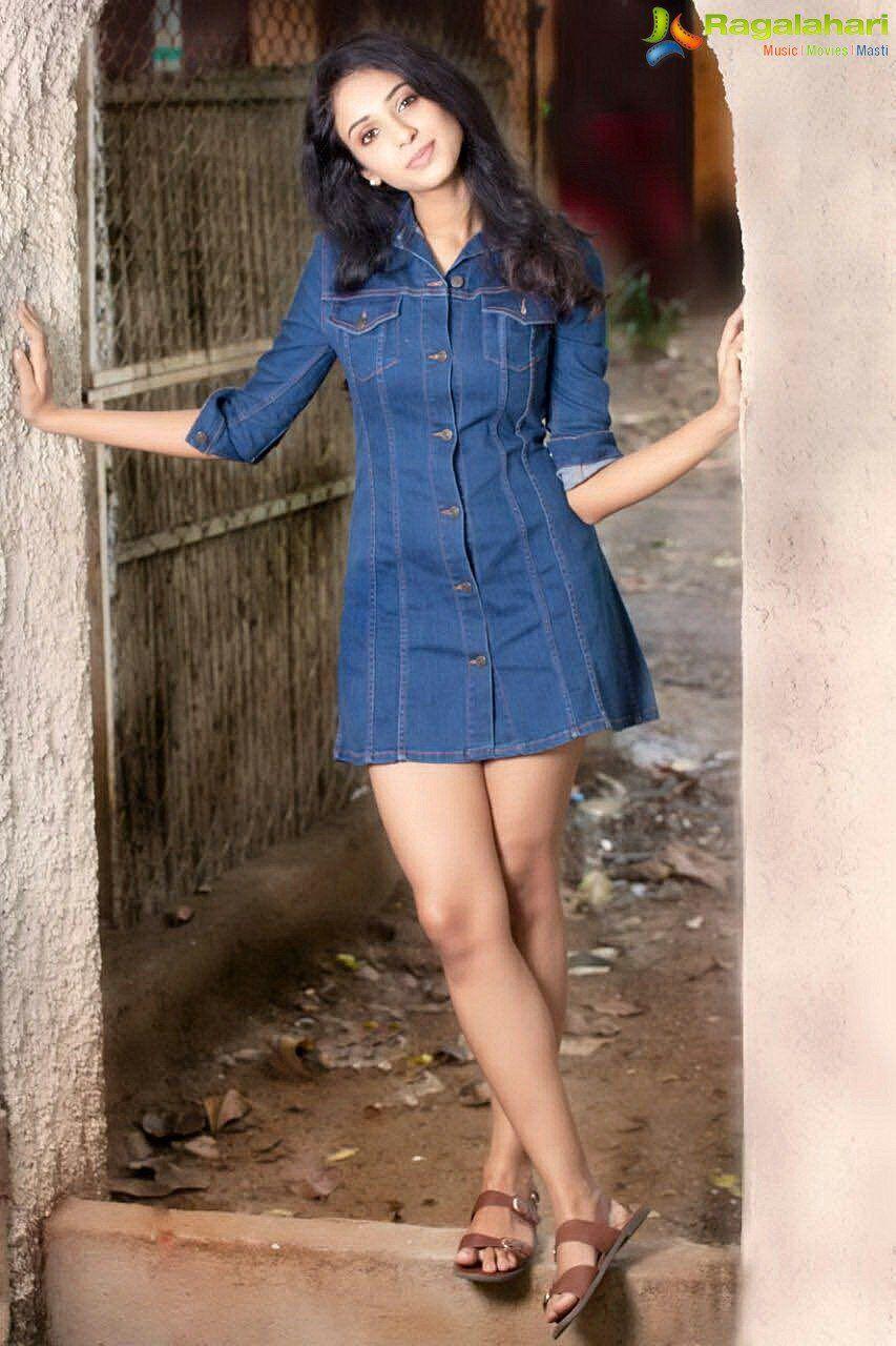 Majnu fame Priya Shri Photo Gallery | Frock and mini skirt, the ...