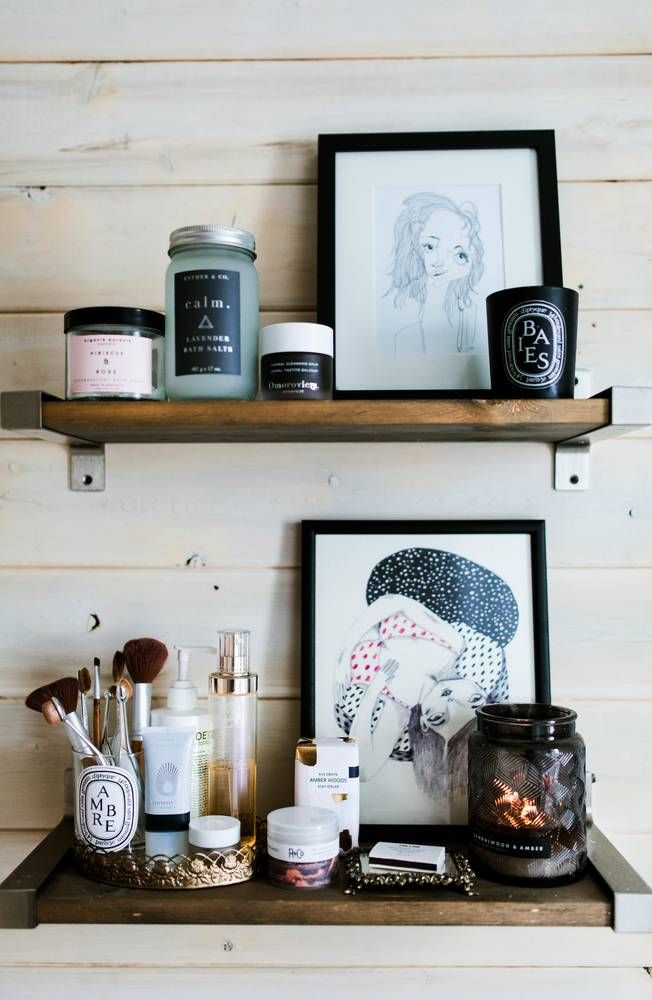 bathroom shelf styling