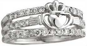 wedding ring set Claddagh and bandsThis is soooo Kimberly CB