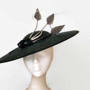 pamela negra y blanca de boda. White and black Ascot hat 382302222e0