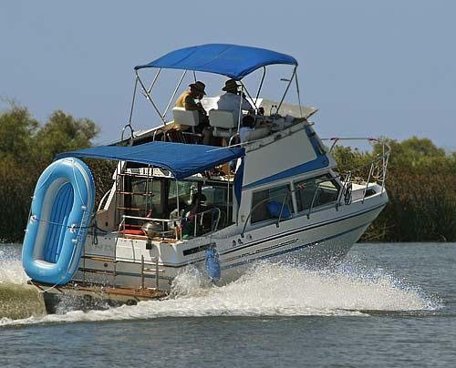 California Delta Houseboat - How to Rent a California ...