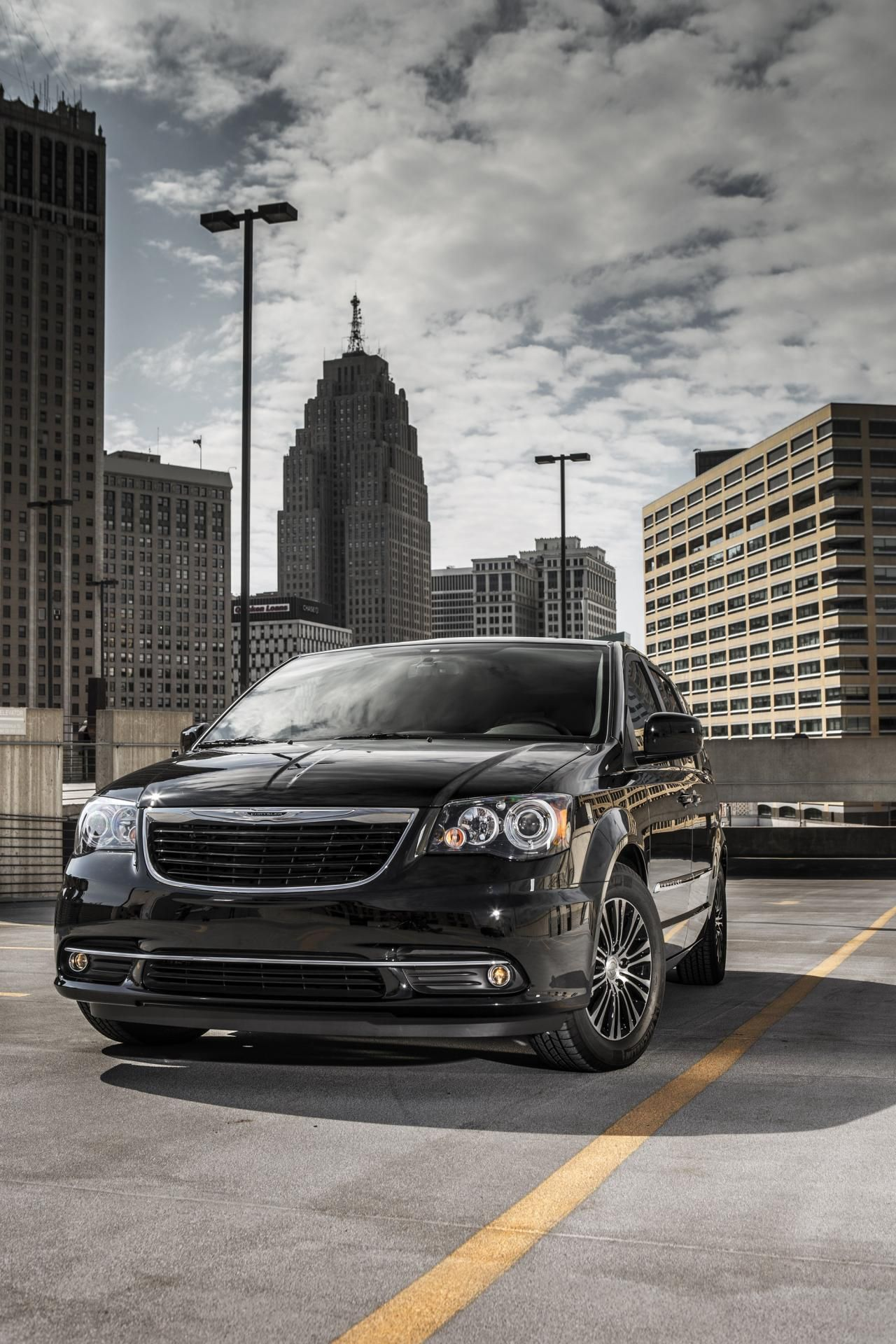 The 2013 Chrysler Town U0026 Country Is More Awarded Than The Honda Odyssey And  Toyota Sienna