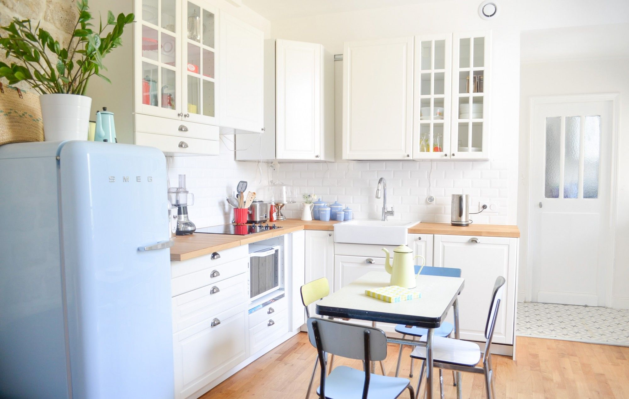 Cuisine Ikea Metod BODBYN Montage Smeg Bleu Ciel Placard Dangle - Meuble angle ikea cuisine pour idees de deco de cuisine
