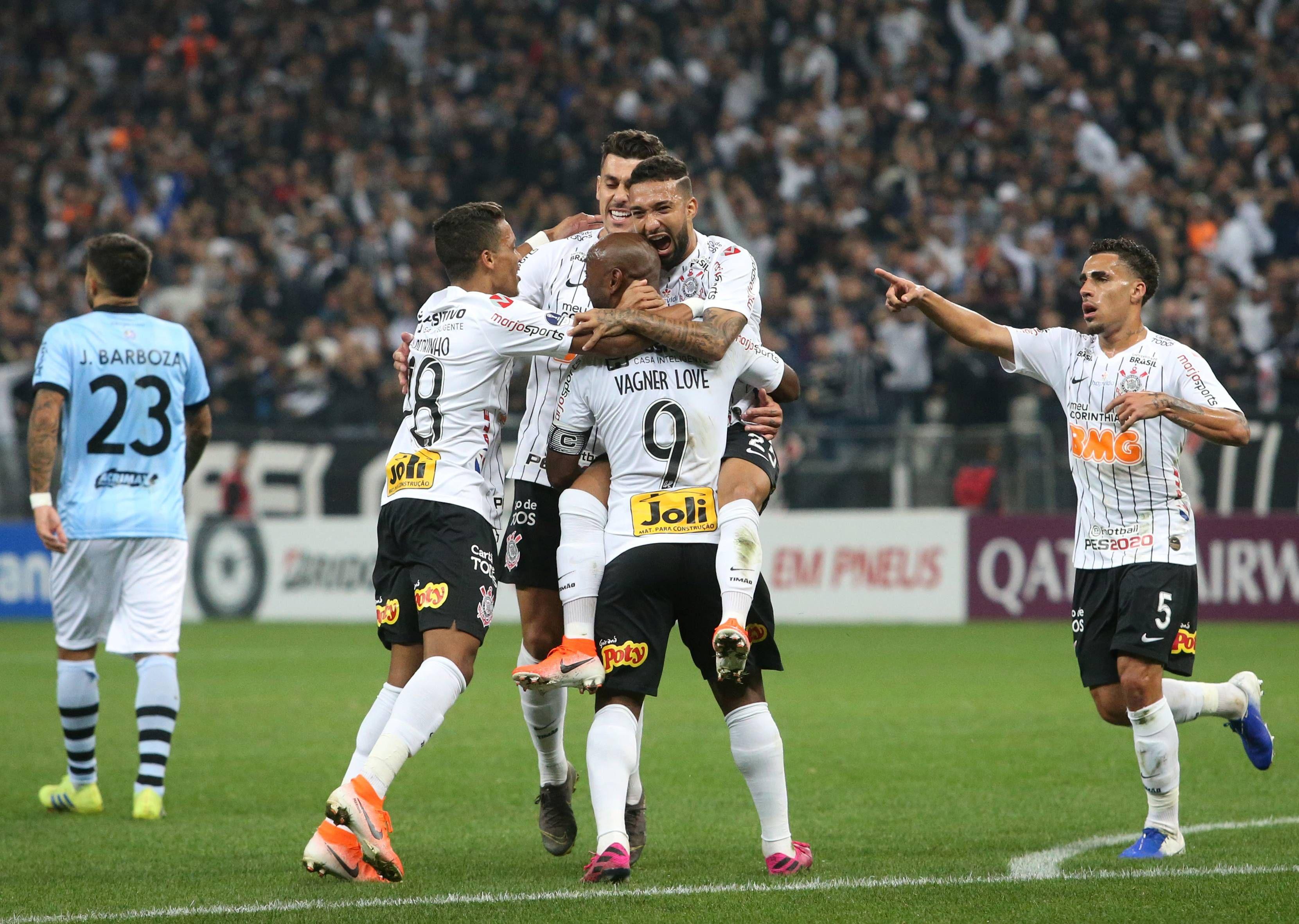 De Olho No Palmeiras Corinthians Decide Vaga Na Sul Americana No