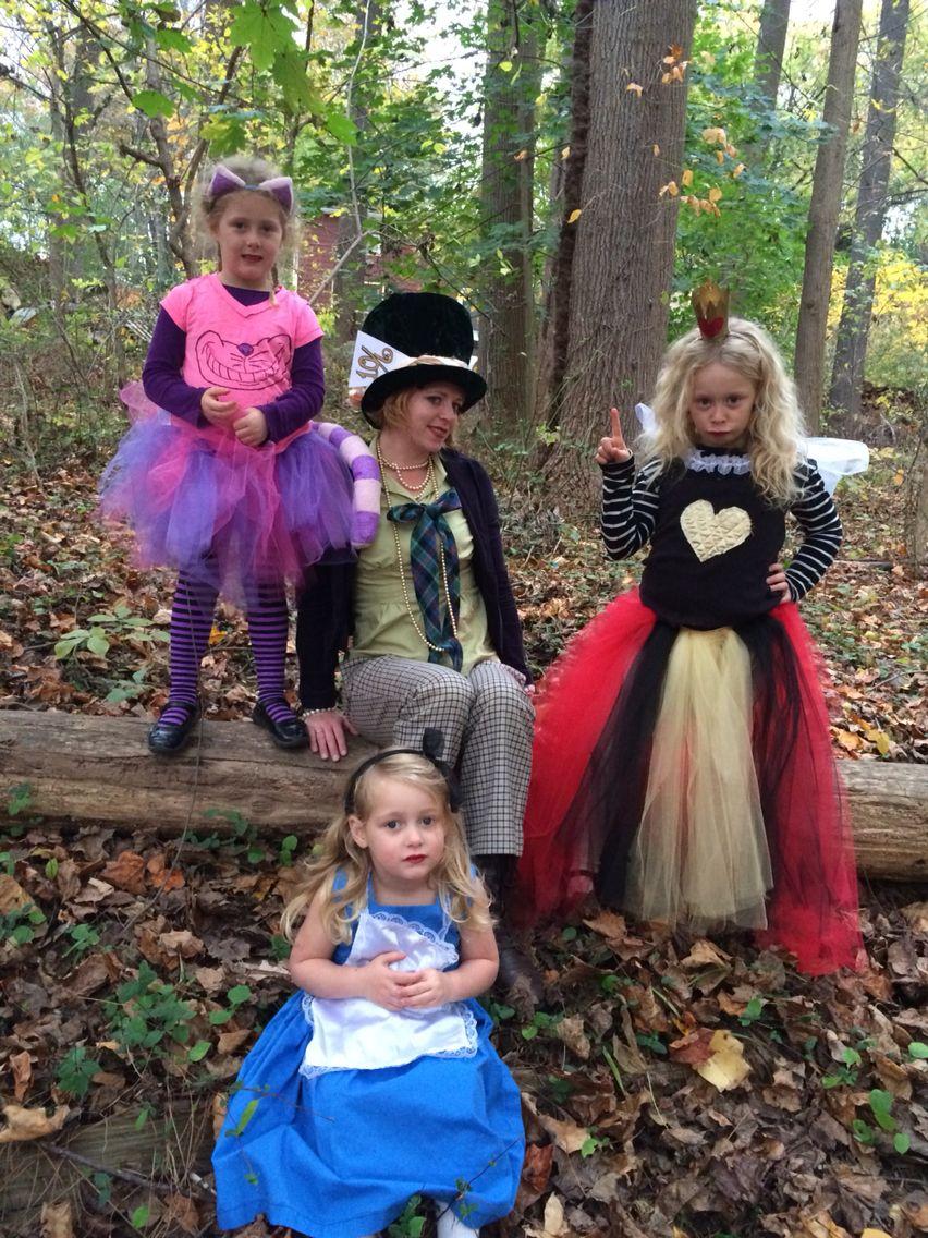 Cheshire Cat mad hatter queen of hearts alice in wonderland