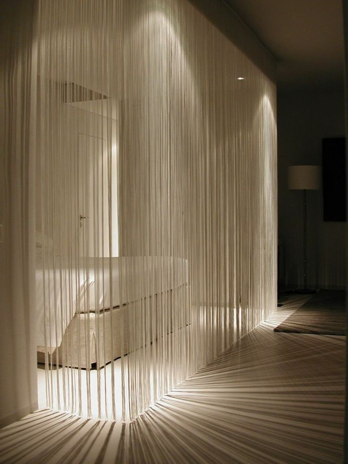 Fadenvorhang Als Tolles Accessoire Raumteiler Oder Nur Als Dekoration Fadenvorhang Schlafzimmer Design Innenarchitektur Schlafzimmer