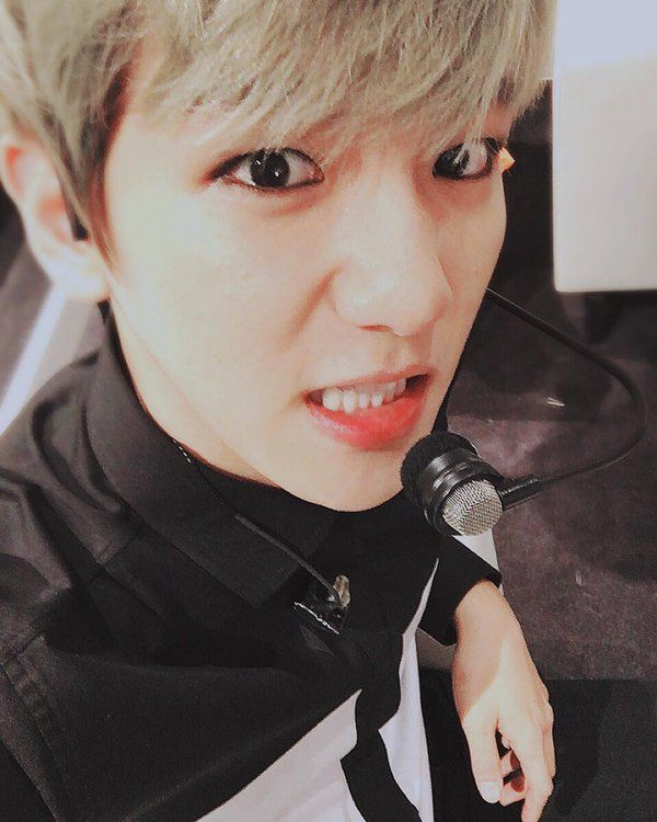 baekhyunee_exo IG update ----------- 오늘도화이팅 ! #EXOluxion #MACAO