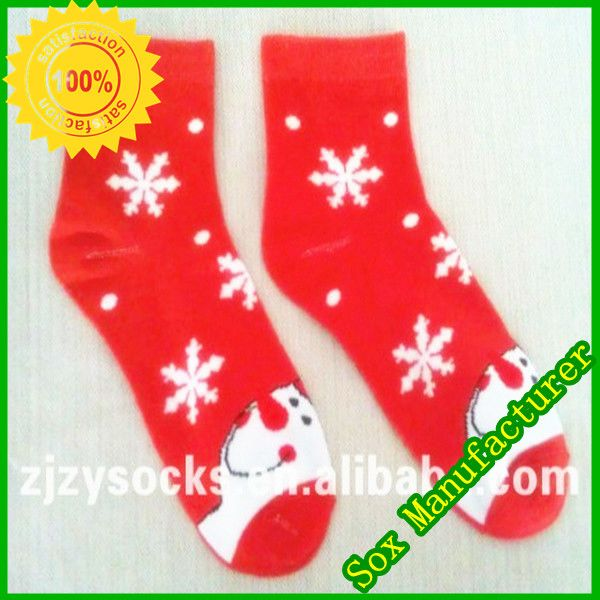 light up cotton christmas socks 1needles144n 2materialcottonnylonelastane 3colorred with white snow 4fits wellsoft