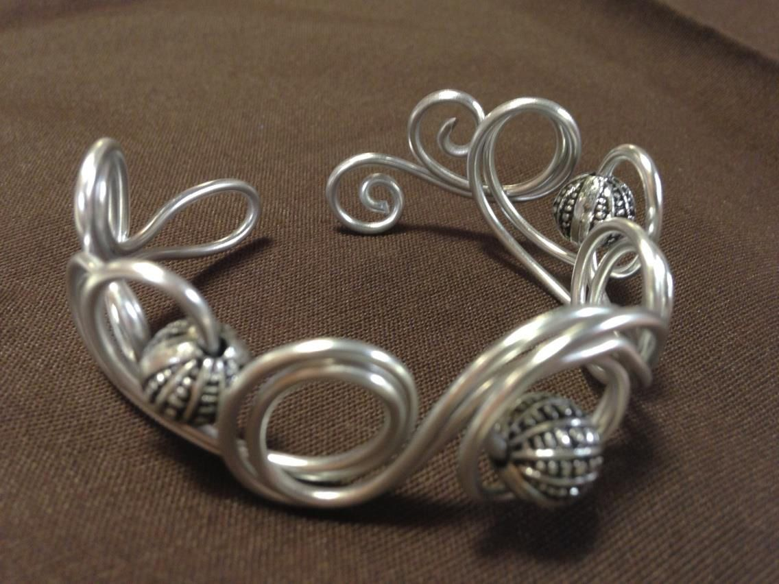 You Could Totally Make An Elven Crown Out Of Aluminum Wire(9