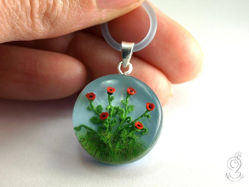 Rote Mohnblumen Sommerlicher Blumen Anhanger Mit Roten Kunststoff Mini Blumen Und Rote Mohnblumen Harz Und Giessharz