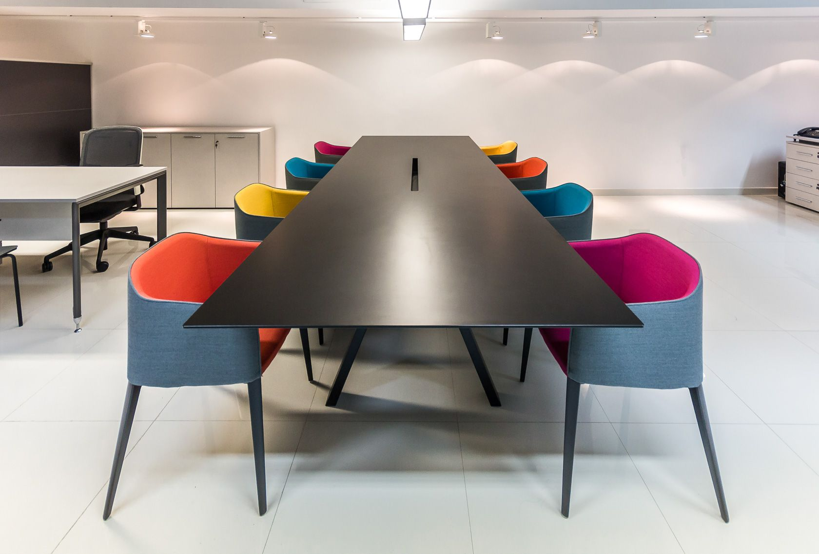 Rama for palau 2016 lounge chair - Explore Interior Design Offices Design Table And More