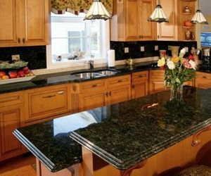 Ubatuba Granite Oak Cabinets Ubatuba Granite Granite Kitchen