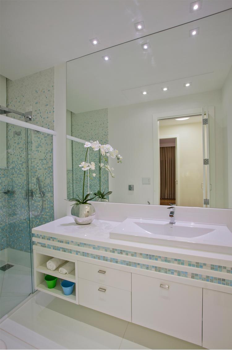 Casa com arquitetura e decora o contempor nea e cl ssica for Casa classica tile