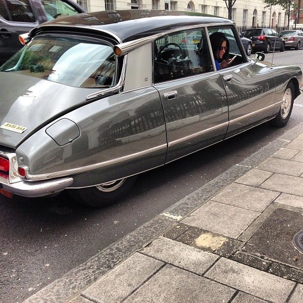 Why the Citroën DS Is Collectable   カー, 乗り物